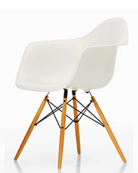 PP02 Eames Chair DAR